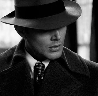 black-and-white-dean-winchester-jensen-ackles-spn-supernatural-Favim.com-436011